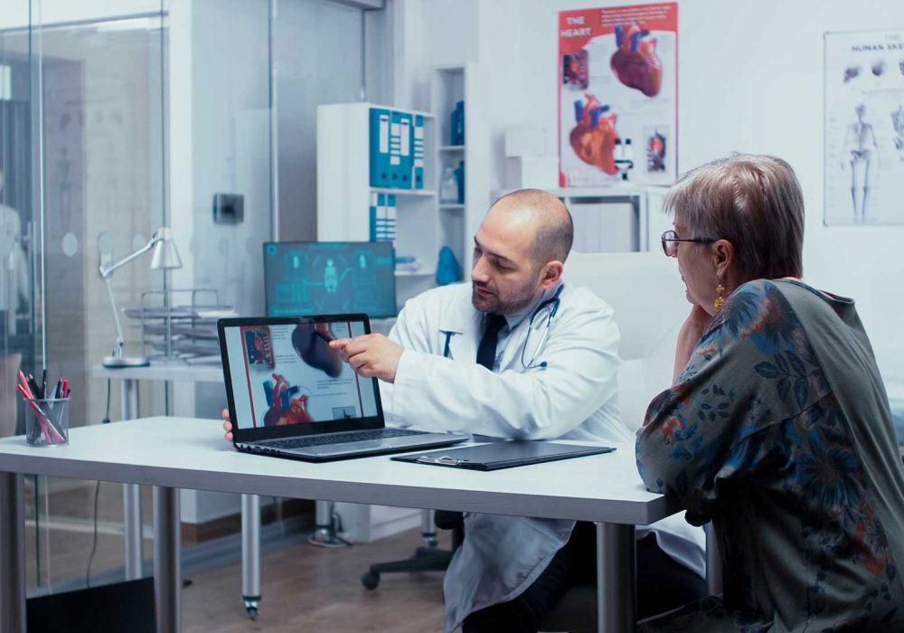 explaining-possible-heart-disease-XG7ETS8.jpg